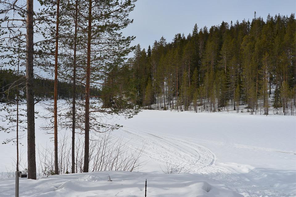 Maisema Värikallion kodalta Somerjärvelle.